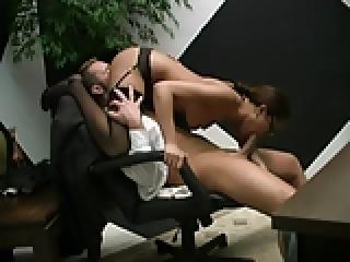 xxx szex videók az irodában
