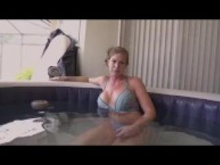 milf pisilni orgazmus lorissa mccomas szopás